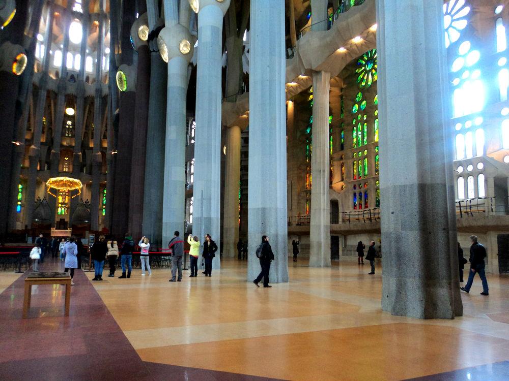 Step inside la sagrada fam lia getting close to for La sagrada familia inside